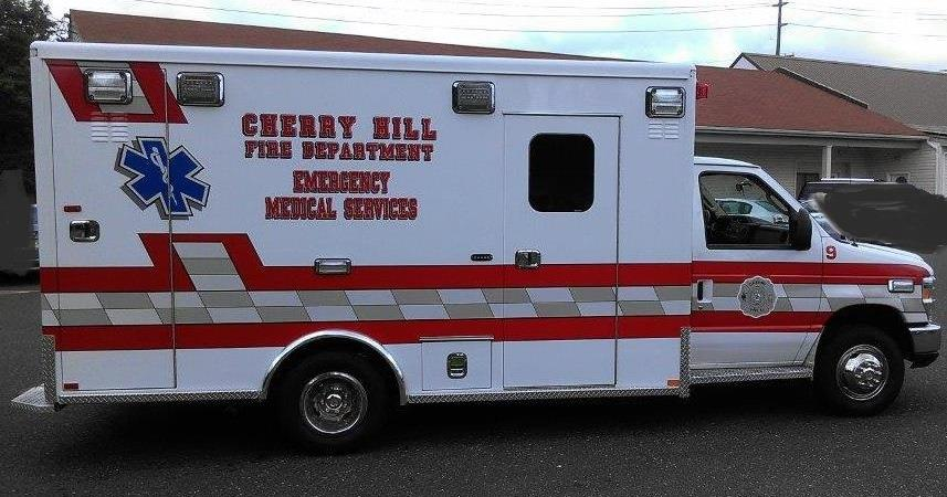 Ambulance_Fullview_2014_cropped